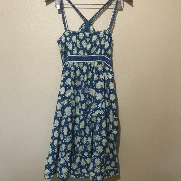 8211e915b2f Free People Dresses   Skirts - Free people blue daisy print summer dress